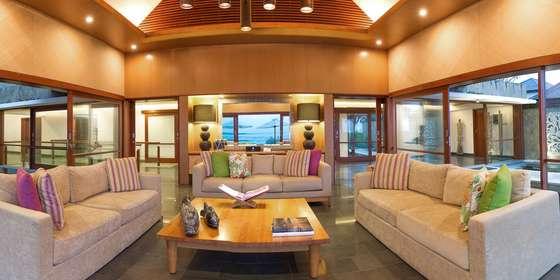 5.-villa-bayu-gita-beachfront-sitting-area-ByscQ2Hww.jpg
