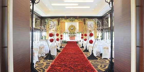 ballroom-H1Hy-ELBH.jpg