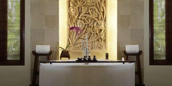 bathroom-1-HyStc_PCr.jpg