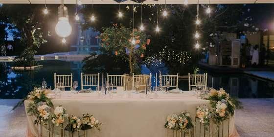 bridal-table-mirror-chandelier-ry70dBHPD.jpg