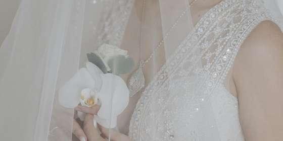 bride-livi-S1EPqY6PP.jpg