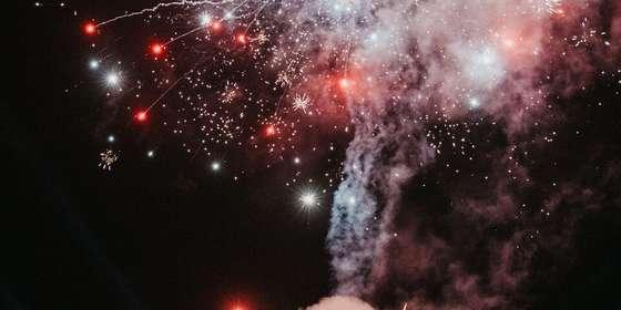 chapel-fireworks-2-Sy4yzmFmL.jpg