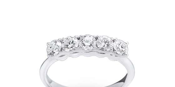 diamond-ring-3-ryR30nG8w.jpg