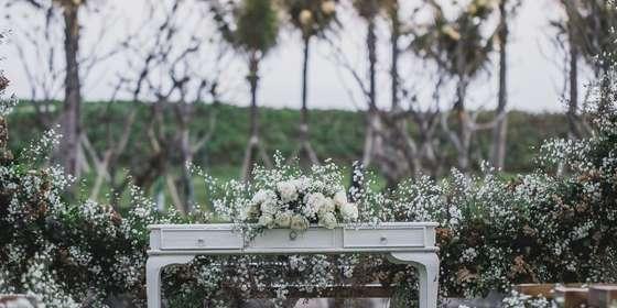garden-wedding-blessing-gold-SyS1G7FQI.jpg