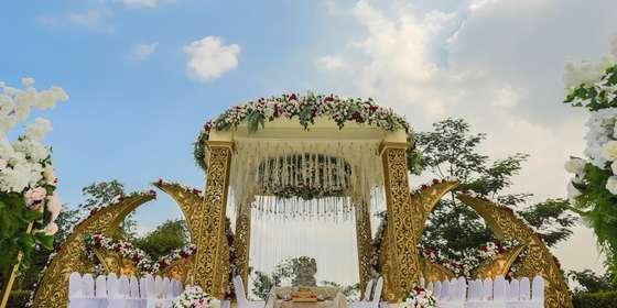 india-wedding-3-BJGBIORWI.jpg