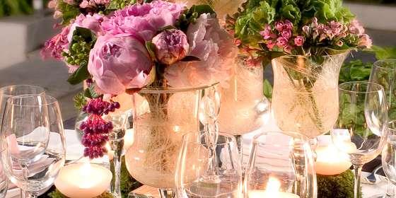 indoor-wedding-Bkr8mFVPw.jpg