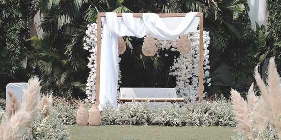 intimate-wedding-2-SJpvP46tU.jpg