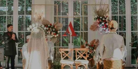 intimate-wedding-3-SJewv4TKU.jpg