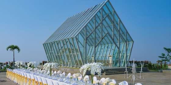 iws-wedding-main-slide-1440x786-3-B1LOdd0WL.jpg