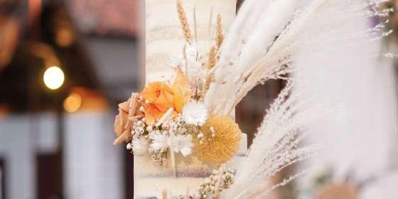 lareia-wedding-cake-10-Skv11BWTH.jpg