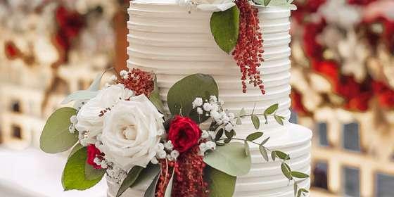 lareia-wedding-cake-11-B1JFBBZ6H.jpg