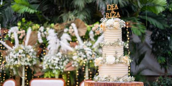 lareia-wedding-cake-3-B13oLr-pS.jpg