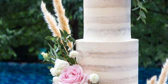 lareia-wedding-cake-6-BJpqcBZ6S.jpg