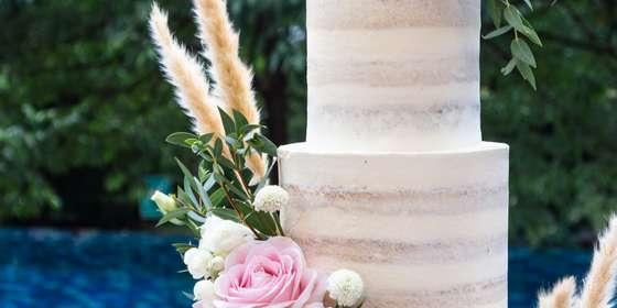 lareia-wedding-cake-6-HyutqH-6r.jpg