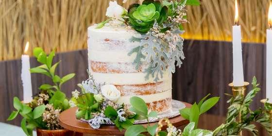 lareia-wedding-cake-8-HJgvLrbTr.jpg