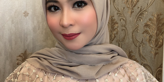 lck-makeup-artist-1579907194-rkflYxK-L.png