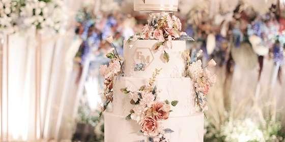 lenovelle-cake_reception-of-erik-michelle_4-Hyp3SN-78.jpg