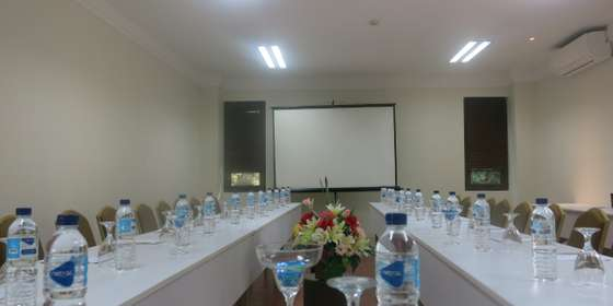 lombok-meeting-room-new-rJcK6Aqe8.jpg