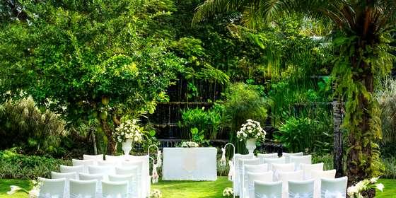 luxdpslcag-143255-secret-garden-wedding-med-rkFR5yT2H.jpg