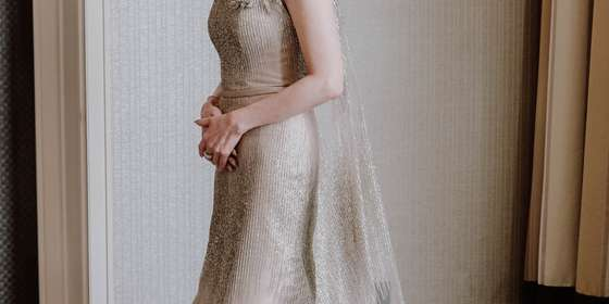 mothers-gown-1-HJ0MPpWvD.jpg