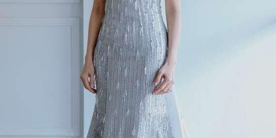mothers-gown-S14VpUzVU.jpg