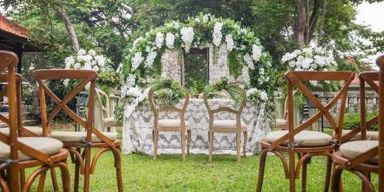 outdoor-wedding-SkBxbLNDv.jpg