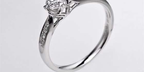 perhiasan-emas-berlian-white-gold-18k-diamond-dhtxdfj044-4-600x600-HkyGofATr.jpg