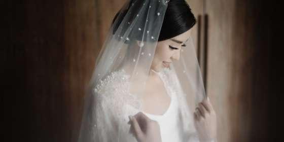 raka-and-felita-wedding-day-211resized-Hy5IjOBPD.jpg