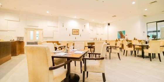 restaurant-H15SwAvQ8.jpg