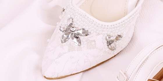 sepatu-ankle-strap-madeline-putih_598000_size-35-41_sku-sg009_sepatu-sandal-sepatu-pesta-weddng-high-heels-stiletto-ankle-strap-sandal-1-rJqgQ0vQL.jpg