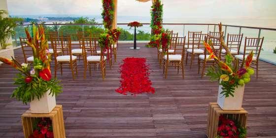 sheraton-bali-bene-rooftop-wedding-setup-2-HJUzt0xDH.jpg