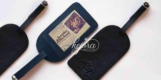 souvenir-pernikahan-murah-luggage-tag-1-H1VONuWPw.jpg