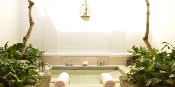 suite_bathroom_office_3015_0-Bky7pP-UP.jpg