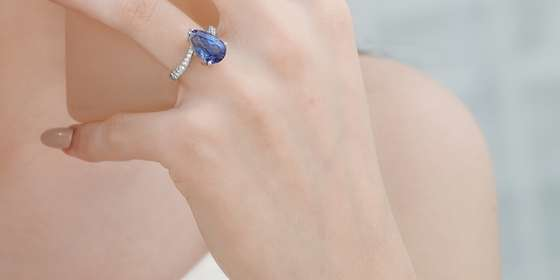 tanzanite-diamond-earrings_-HkJNjAPxP.jpg