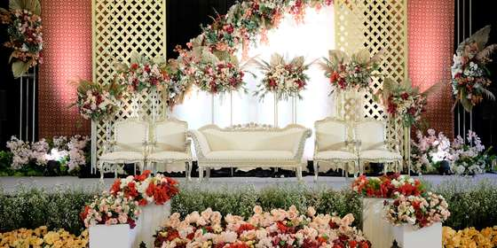 traditional-wedding-vida-ballroom-01-Hy_glfeGU.jpg