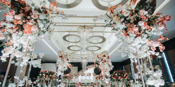 traditional-wedding-vida-ballroom-03-ryIu7fxfL.jpg
