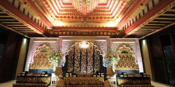 wedding-decoration-at-kudus-hall-rkxrxBv4x8.jpg