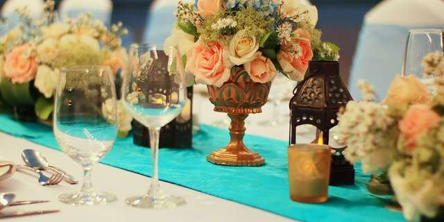 cy_dpscy_wedding_details_table_centerpiece-2-HJIQ4kR2I.jpg
