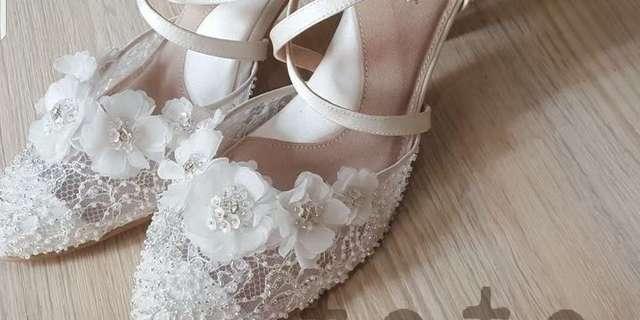 minnie-petal-flower-off-white-HyW-Tx_Y8.jpg