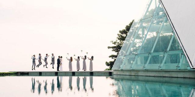 bridal-party-at-chapel-bridge-SJ9ZOHSPv.jpg