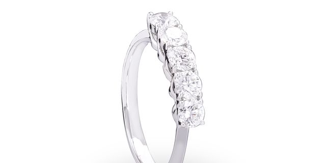 diamond-ring-2-SyChCnzUP.jpg