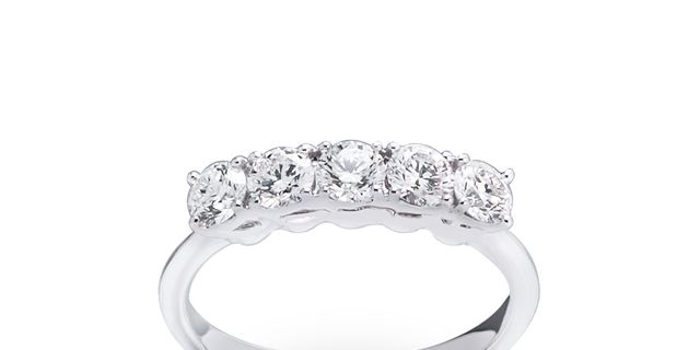 diamond-ring-3-ryR30nG8w.jpg