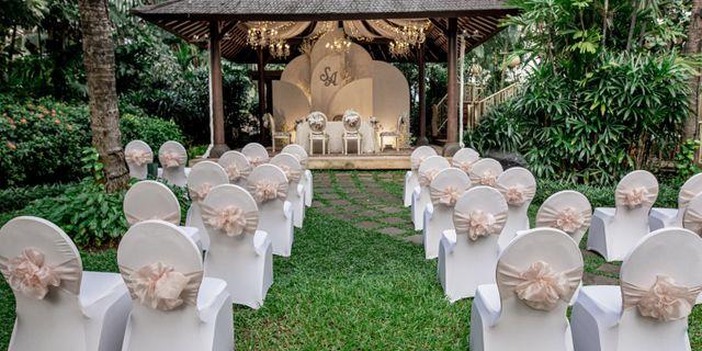 intimate-wedding-4-SJJcTH4wv.jpg