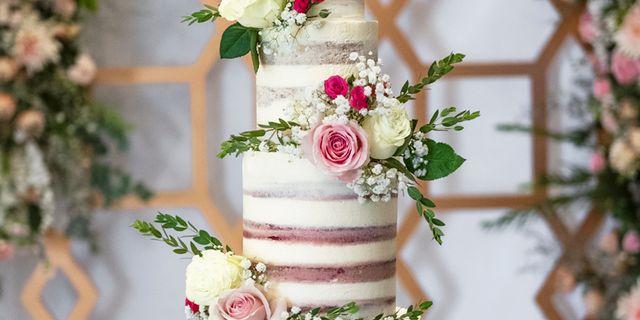 lareia-wedding-cake-1-BJ6VsSbpH.jpg