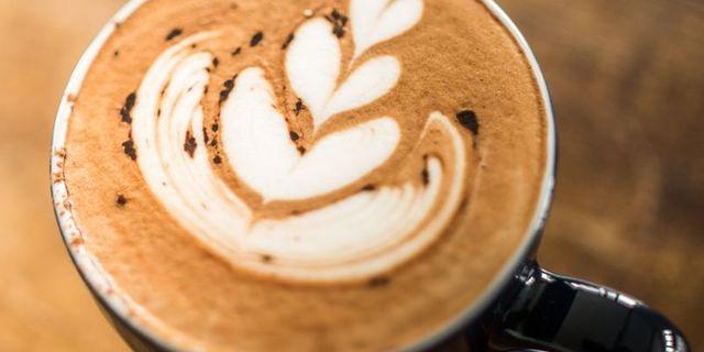 latte-art-SJMVJLHMU.jpg