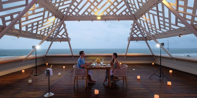 romantic-dinner-at-the-bandha-hotel-and-suites-1-SkLYzL6bL.jpg