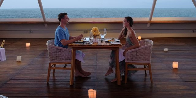 romantic-dinner-at-the-bandha-hotel-and-suites-2-r1TKGUa-I.jpg