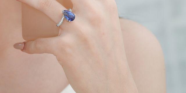 tanzanite-diamond-earrings_-HkJNjAPxP.jpg