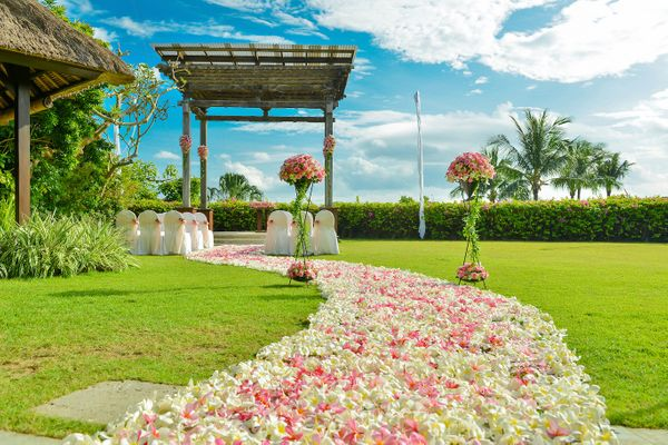 BALE KENCANA OR ASMARA SECRET GARDEN - COMPLETE PACKAGE 40 GUESTS
