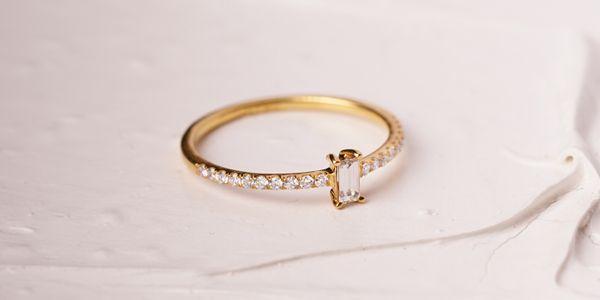 Blanc Ring